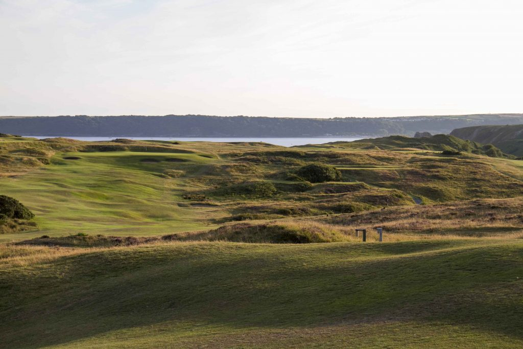 This image has an empty alt attribute; its file name is Pennard-GC-10th-fairway-1024x683.jpg